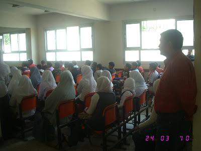 ندوة بالمدرسة قامت بها جمعية الامل للرعاية24/3/2010م IMG_2930