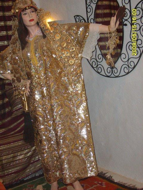 عادات تونس التقليدية من متحف جربة Vetements-traditionnel%2B(1)