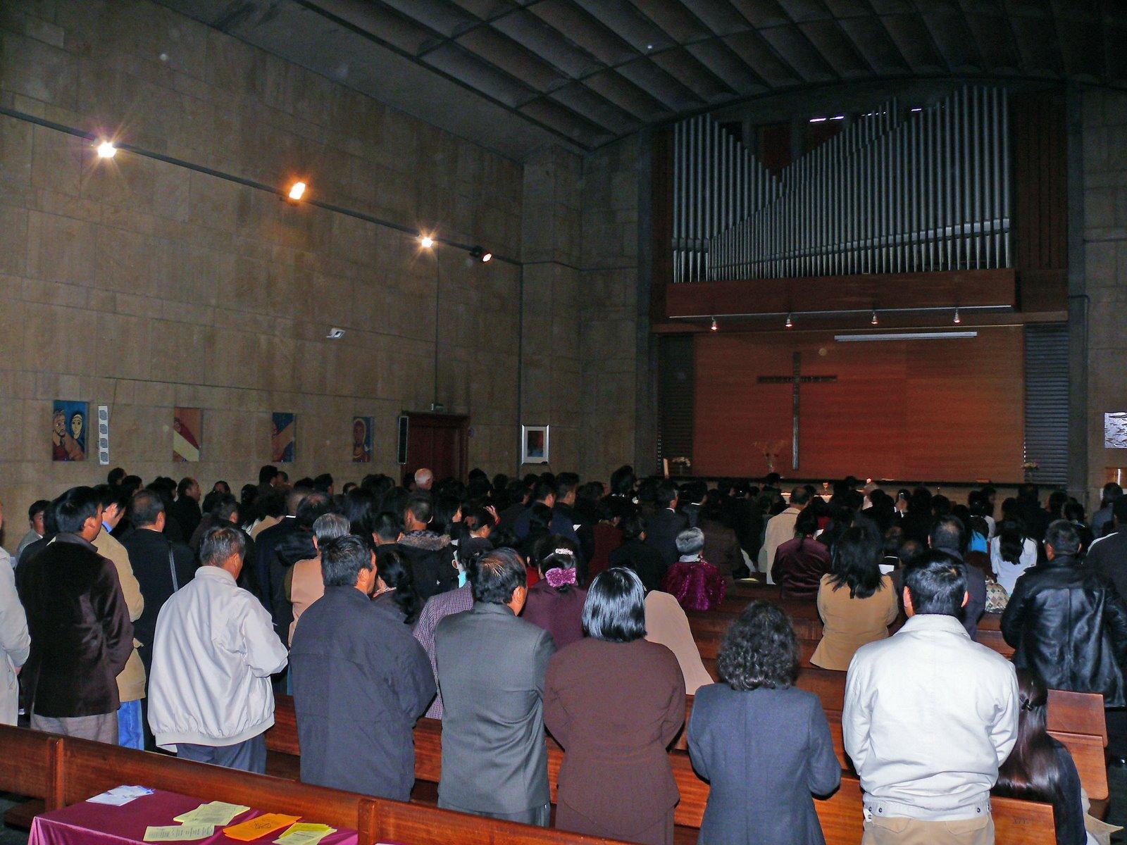 Kuv yog leej twg 081005_Ordination104