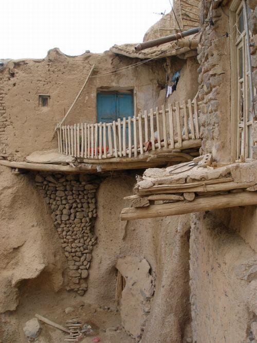بيوت منحوته في الجبال Village%20in%20Afghanistan%2014
