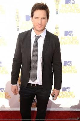 MTV  Movie Awards 2010 - Página 7 Normal_021