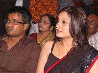 Кинодеятели юга Sonia-Agarwal-Selva-Raghavan