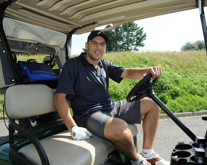 Série Habs vs Bruins  - Page 15 Bruins_Golf_2011_SB175_slide