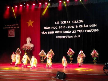 Đại học Duy Tân đón sinh viên khóa 22 niên học 2016-2017 1_92138