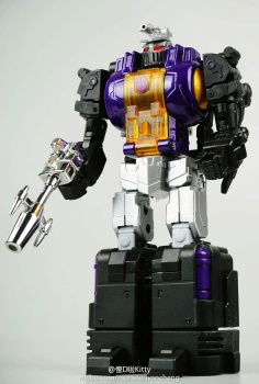 [Fanstoys] Produit Tiers - Jouet FT-12 Grenadier / FT-13 Mercenary / FT-14 Forager - aka Insecticons - Page 2 0xyOV74D