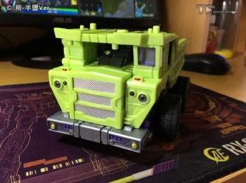 [Toyworld] Produit Tiers - Jouet TW-C Constructor aka Devastator/Dévastateur (Version vert G1 et jaune G2) - Page 6 41EjzpHj