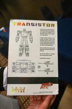 [Masterpiece Tiers] KFC TOYS TRANSISTOR aka BLASTER - Sortie Novembre 2014 4uCDKE38