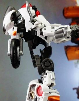 [MakeToys] Produit Tiers - Jouet MTCM-04 Guardia (aka Protectobots - Defensor/Defenso) - Page 2 6NsYBpTo