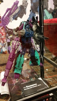 [Mastermind Creations] Produit Tiers - R-17 Carnifex - aka Overlord (TF Masterforce) - Page 2 7rzVfjAu