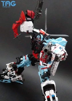[MakeToys] Produit Tiers - Jouet MTCM-04 Guardia (aka Protectobots - Defensor/Defenso) - Page 3 FHv4n1yI