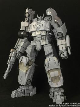 [Transform Mission] Produit Tiers - Jouet M-01 AutoSamurai - aka Menasor/Menaseur des BD IDW FNGrB3Q8