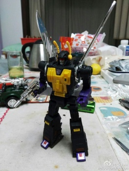 [Fanstoys] Produit Tiers - Jouet FT-12 Grenadier / FT-13 Mercenary / FT-14 Forager - aka Insecticons - Page 3 MKVZKxbo