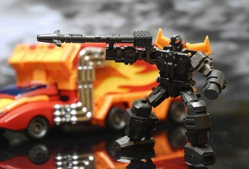 [DX9 Toys] Produit Tiers - Jouet D-06 Carry aka Rodimus et D-06T Terror aka Black Rodimus - Page 2 MVugHGmq