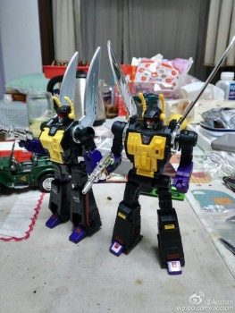 [Fanstoys] Produit Tiers - Jouet FT-12 Grenadier / FT-13 Mercenary / FT-14 Forager - aka Insecticons - Page 3 MaN3Qh7g