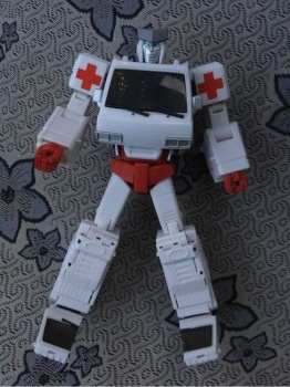 [Voodoo Robots] Produit Tiers - Salus (aka Ratchet/Mécano) & Animus (aka Ironhide/Rhino) - Page 3 MwIrHQfX