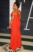 """Queen Latifah """"2015 Vanity Fair Oscar Party hosted by Graydon Carter at Wallis Annenberg Center for the Performing Arts in Beverly Hills"""" (22.02.2015) 23x TB3l96Da"""