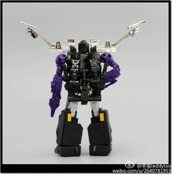 [Fanstoys] Produit Tiers - Jouet FT-12 Grenadier / FT-13 Mercenary / FT-14 Forager - aka Insecticons - Page 2 W3002gII