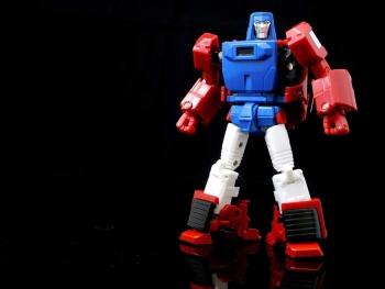 [X-Transbots] Produit Tiers - Minibots MP - Gamme MM - Page 6 WM1e18Qa