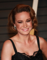 "Brie Larson ""2015 Vanity Fair Oscar Party hosted by Graydon Carter at Wallis Annenberg Center for the Performing Arts in Beverly Hills"" (22.02.2015) 13x XC5Lpy4L"