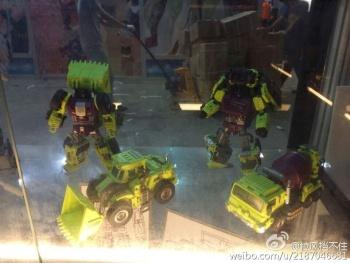 [Generation Toy] Produit Tiers - Jouet GT-01 Gravity Builder - aka Devastator/Dévastateur - Page 2 Xdd8ZaBX