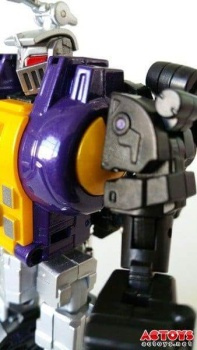 [Fanstoys] Produit Tiers - Jouet FT-12 Grenadier / FT-13 Mercenary / FT-14 Forager - aka Insecticons - Page 2 DBDSclbt