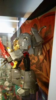 [Fanstoys] Produit Tiers - Dinobots - FT-04 Scoria, FT-05 Soar, FT-06 Sever, FT-07 Stomp, FT-08 Grinder - Page 9 GhA6FbeQ