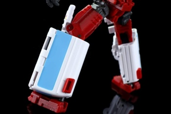 [MakeToys] Produit Tiers - Jouet MTCM-04 Guardia (aka Protectobots - Defensor/Defenso) - Page 3 IuAVss79