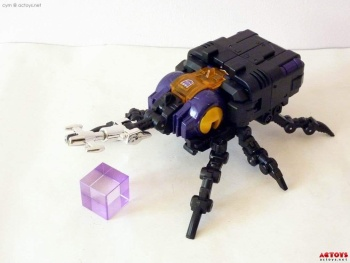 [Fanstoys] Produit Tiers - Jouet FT-12 Grenadier / FT-13 Mercenary / FT-14 Forager - aka Insecticons - Page 2 LZS8cMtE