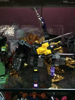 [Fanstoys] Produit Tiers - Jouet FT-12 Grenadier / FT-13 Mercenary / FT-14 Forager - aka Insecticons - Page 3 NEPgtBLj