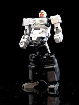 [X-Transbots] Produit Tiers - MX-II Andras - aka Scourge/Fléo - Page 2 QmmvZ6wj