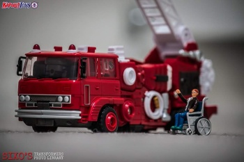 [Maketoys] Produit Tiers - MTRM-03 Hellfire (aka Inferno) et MTRM-05 Wrestle (aka Grapple/Grappin) - Page 2 R5PdYwnf