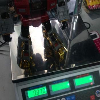 [Fanstoys] Produit Tiers - Dinobots - FT-04 Scoria, FT-05 Soar, FT-06 Sever, FT-07 Stomp, FT-08 Grinder - Page 9 XspQuxrV