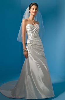 Wedding Dresses. Tumblr_kwb1uigtxf1qzkvdio1_250
