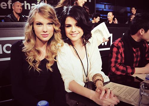 Taylor Swift - Page 21 Tumblr_l8yrcyKExo1qzivgzo1_500