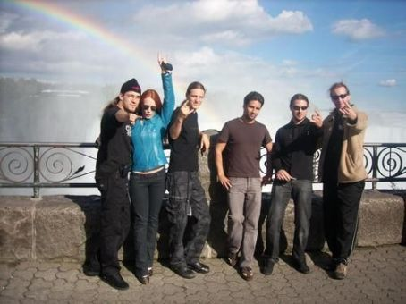 Band and Random Epica pictures - Page 7 Tumblr_lbsqxubaXX1qeetkgo1_500