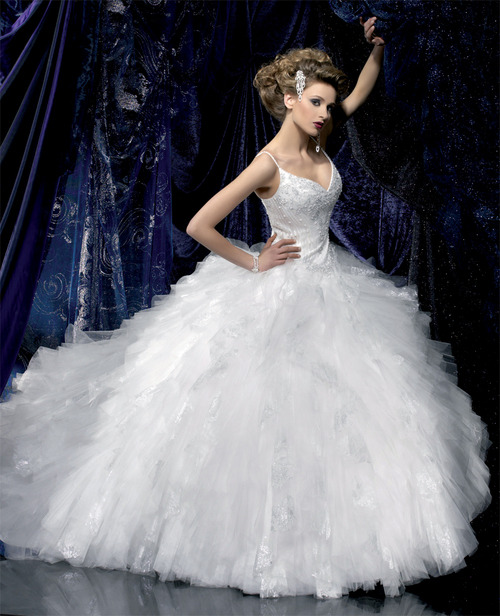 Wedding Dresses. - Page 2 Tumblr_ldhatuxfpM1qausdfo1_500