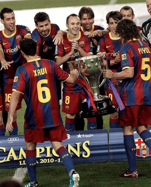 """القائدان يرفعان كأس الليغا وتتويج مميز للكتلان""""صور""""  Tumblr_ll9at2V3CL1qdxgrdo1_500"""