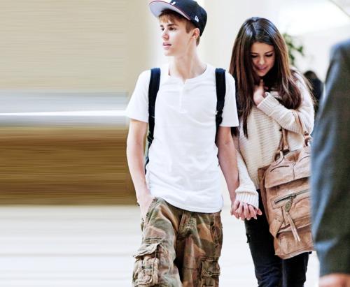 Justin Bieber and Selena Gomez - Page 3 Tumblr_llzw5k8yAP1qjttryo1_500