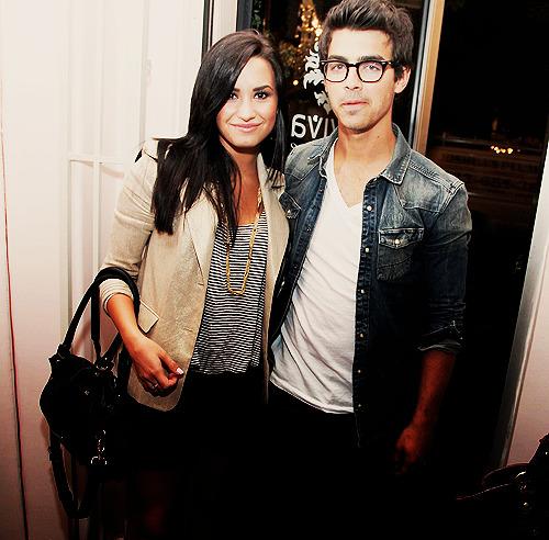 Joe Jonas and Demi Lovato. - Page 3 Tumblr_lm55lfznkX1qfrux8o1_500