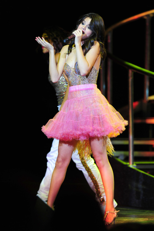 Selena Gomez - Page 39 Tumblr_lpl9zsTIAh1qa6i1co1_500
