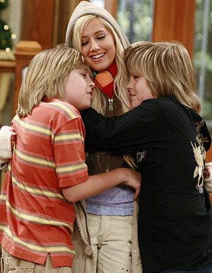 Zac si Cody Suite Life - Page 2 Tumblr_lq7mgnXSNX1qftzx0o1_400