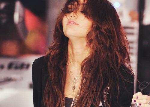 Miley Cyrus [2] - Page 6 Tumblr_lqmhl2Wece1qzec7ho1_500