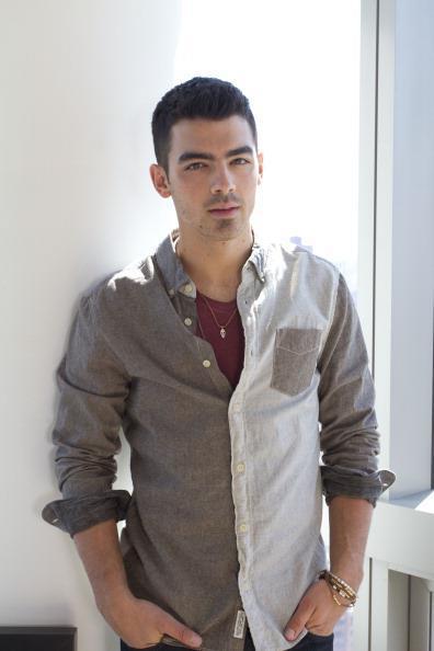 `Joe Jonas` - Page 38 Tumblr_lwsw2c8jTe1r8m1t6o1_400