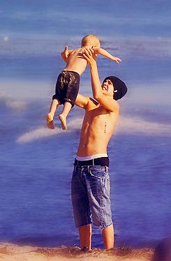 Justin Bieber [2] - Page 4 Tumblr_m0fq64nmZF1qb67p5o2_250