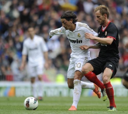 Real Madrid [3]. - Page 37 Tumblr_m38p97yj1U1r4xt42o1_500