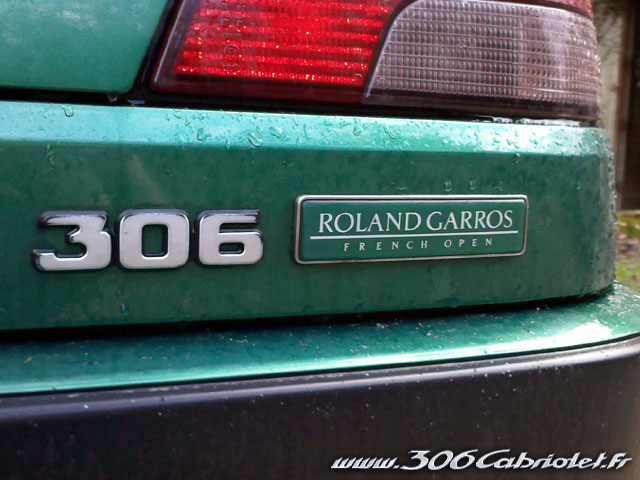 [ FOTOS ]Lista de Series Especiales de 306 cabrios (Roland Garros, Saint-Tropez, Suisse, Platinum etc.) Monogramme-rg-0