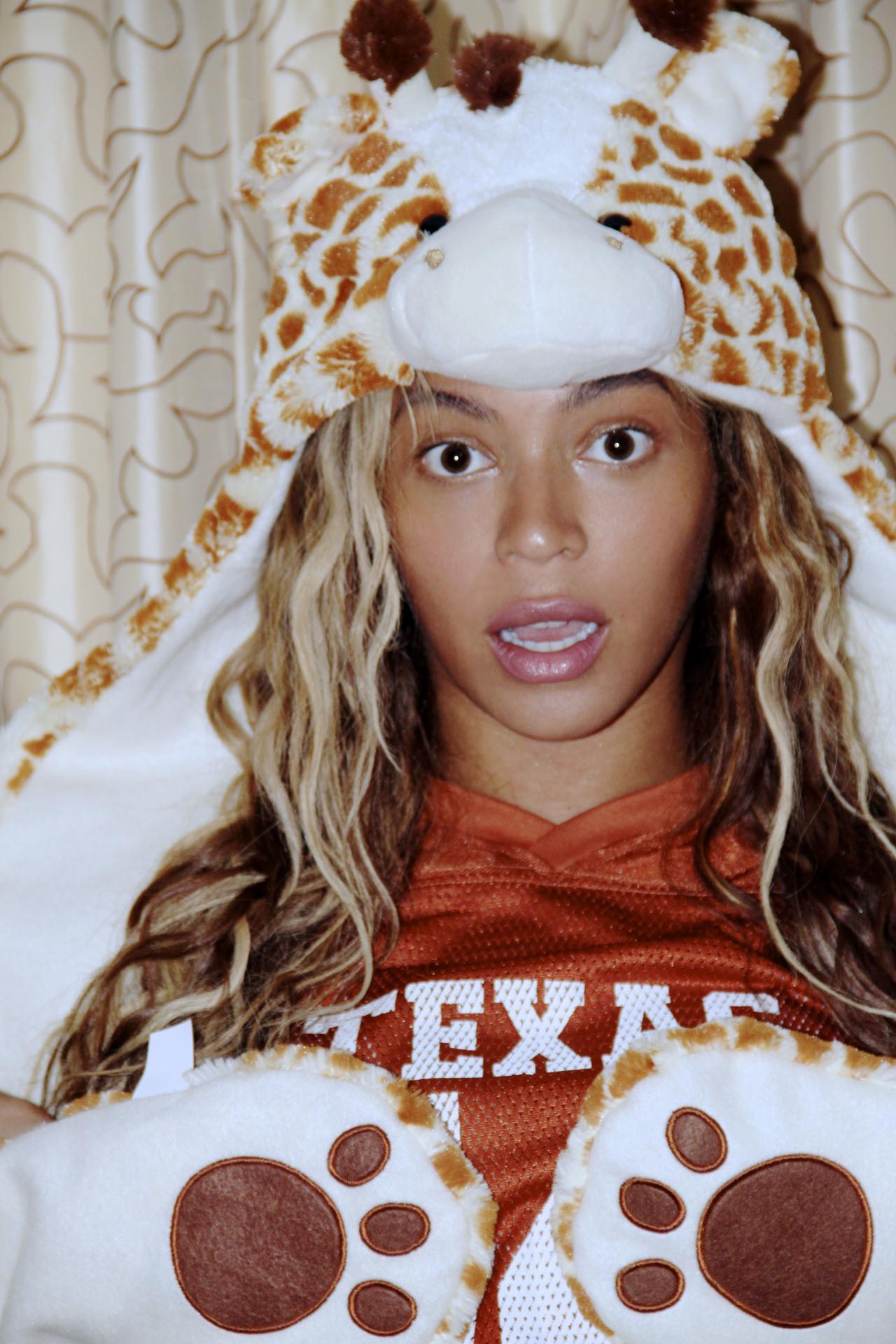 Beyoncé - Twitter (@Beyonce), Instagram (Baddiebey), Tumblr (I Am...) - Página 49 Tumblr_mxlqogakZn1rqgjz2o1_1280