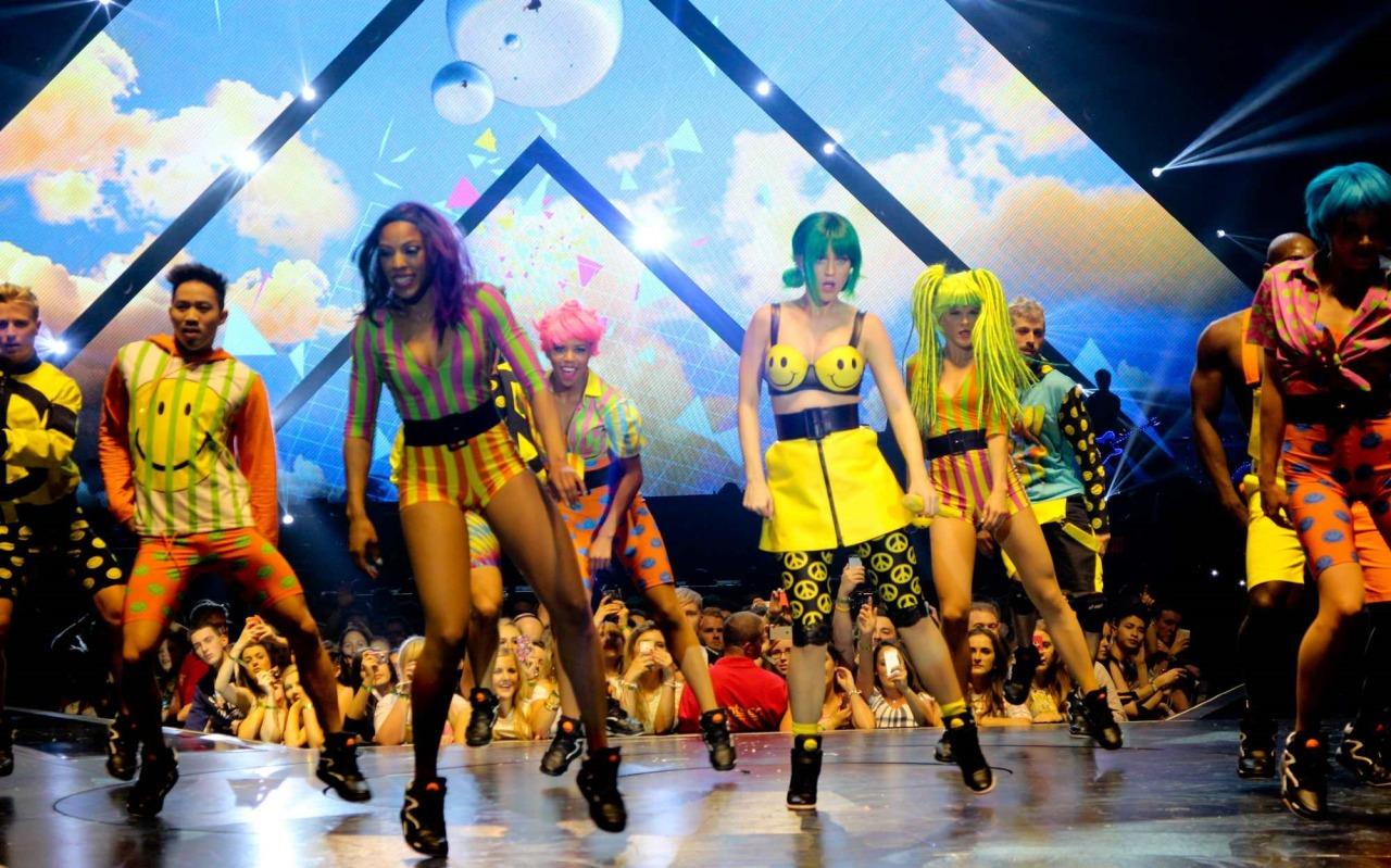 Katy Perry >> The Prismatic World Tour Tumblr_n58y4xKX7V1qc70kwo10_1280