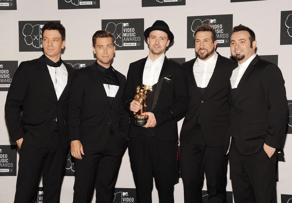 MTV VMAs >> 3 premios + Vídeo del año y actuación de la noche (pág. 1) - Página 4 Tumblr_ms4w9331Jn1qgk0h5o2_1280