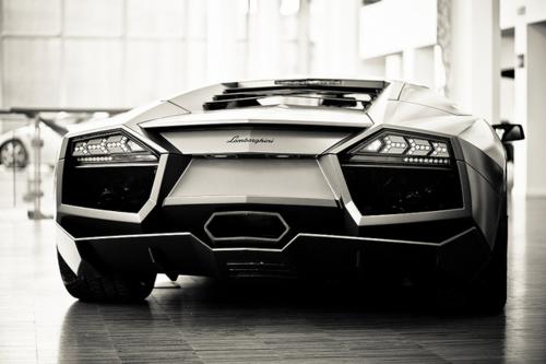 صور سيارات ولا أروععع♥♣ Tumblr_ll6tcbIJxb1qcm2e3o1_500